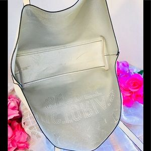 Victoria's Secret Bags - VICTORIA'S SECRET FASHION TOTE HANDBAG